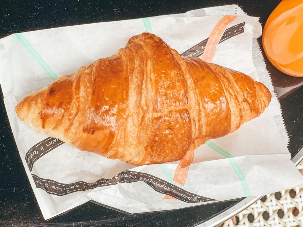 croissant in paris france french croissants